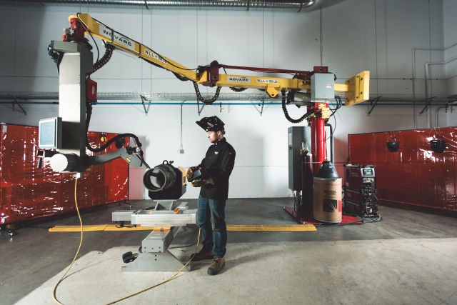 Photo: The SWR system from BC company Novarc Technologies uses robotics and human input to optimize pipe welding operations. The company developed the technology with R&D support from Lincoln Electric Co. of Canada.
