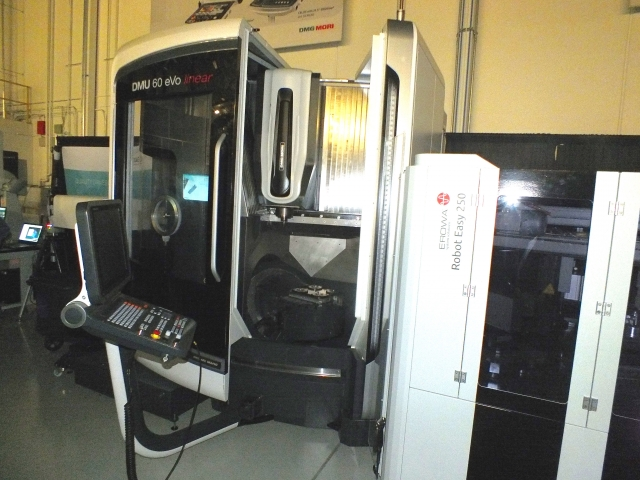 The DMU 60 eVO linear machine was part of a live demo. The machine is equipped with Erowa robot automation.