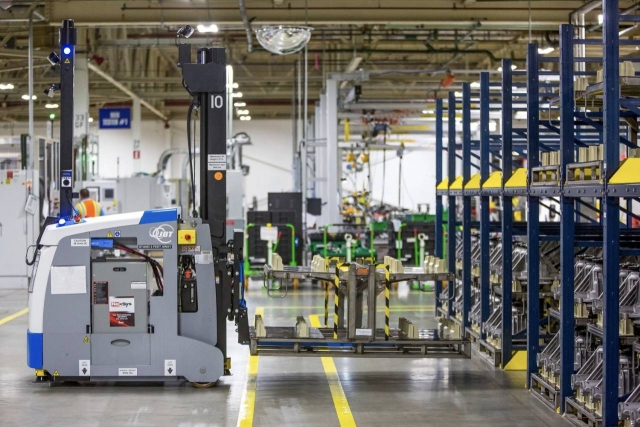 General Motors recently renovated Grand Rapids Operations in Wyoming, Mich.  has approximately 885 employees on three shifts producing a variety of precision-machined automotive engine components used in Chevrolet, Buick, GMC and Cadillac vehicles. PHOTO: General Motors Corp.