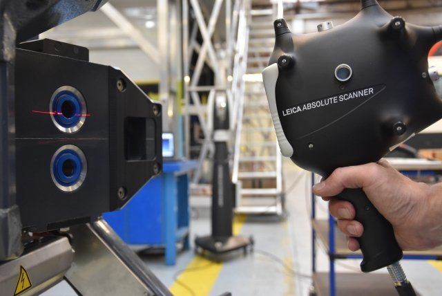 Hexagon Manufacturing Leica Absolute Scanner LAS 20 8 scanning with AT960 in the background