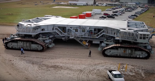 10 massive mobile machines