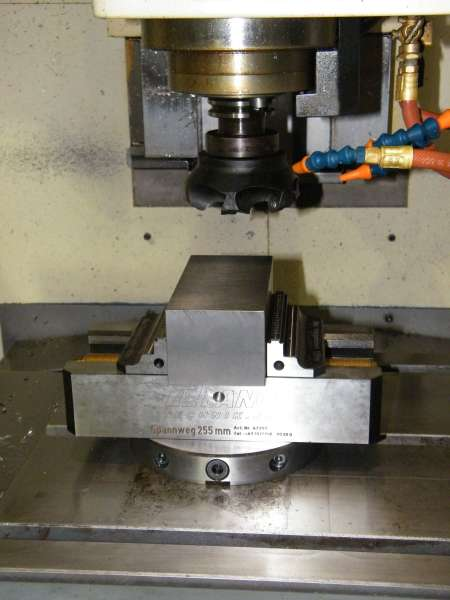 Machine Tool Solutions Lang Makro-Grip 5 axis vice